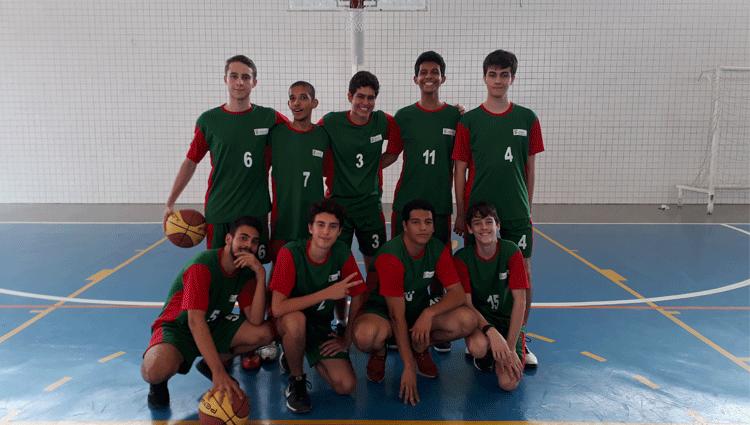Equipe de basquete juvenil do campus Cachoeiro se consagra campeã do JOICI
