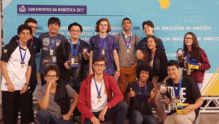 Aluno do campus Cachoeiro participa da etapa final da Olimpíada Brasileira de Robótica